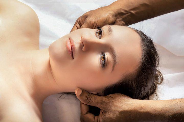 head-massage-3530560__480